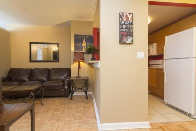 Luxurious Midtown vacation rental apartment with modern furniture. photo 51378