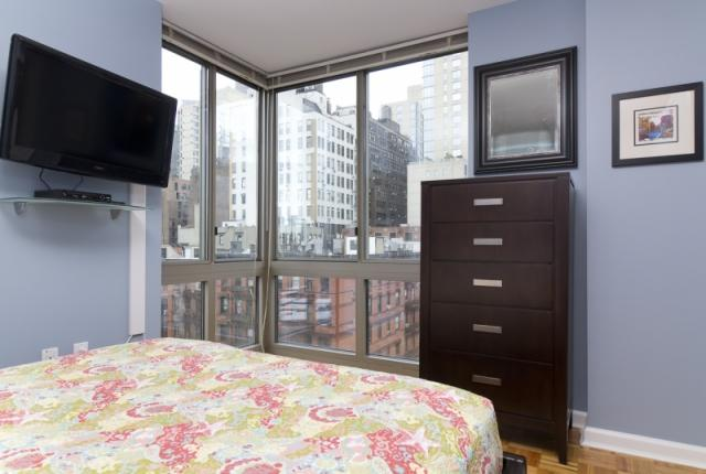 Impressive three bedroom apartment around Times Square photo 50905