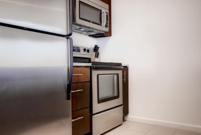 Luxury Apartments at the Metropolitan- 2 bd photo 52543