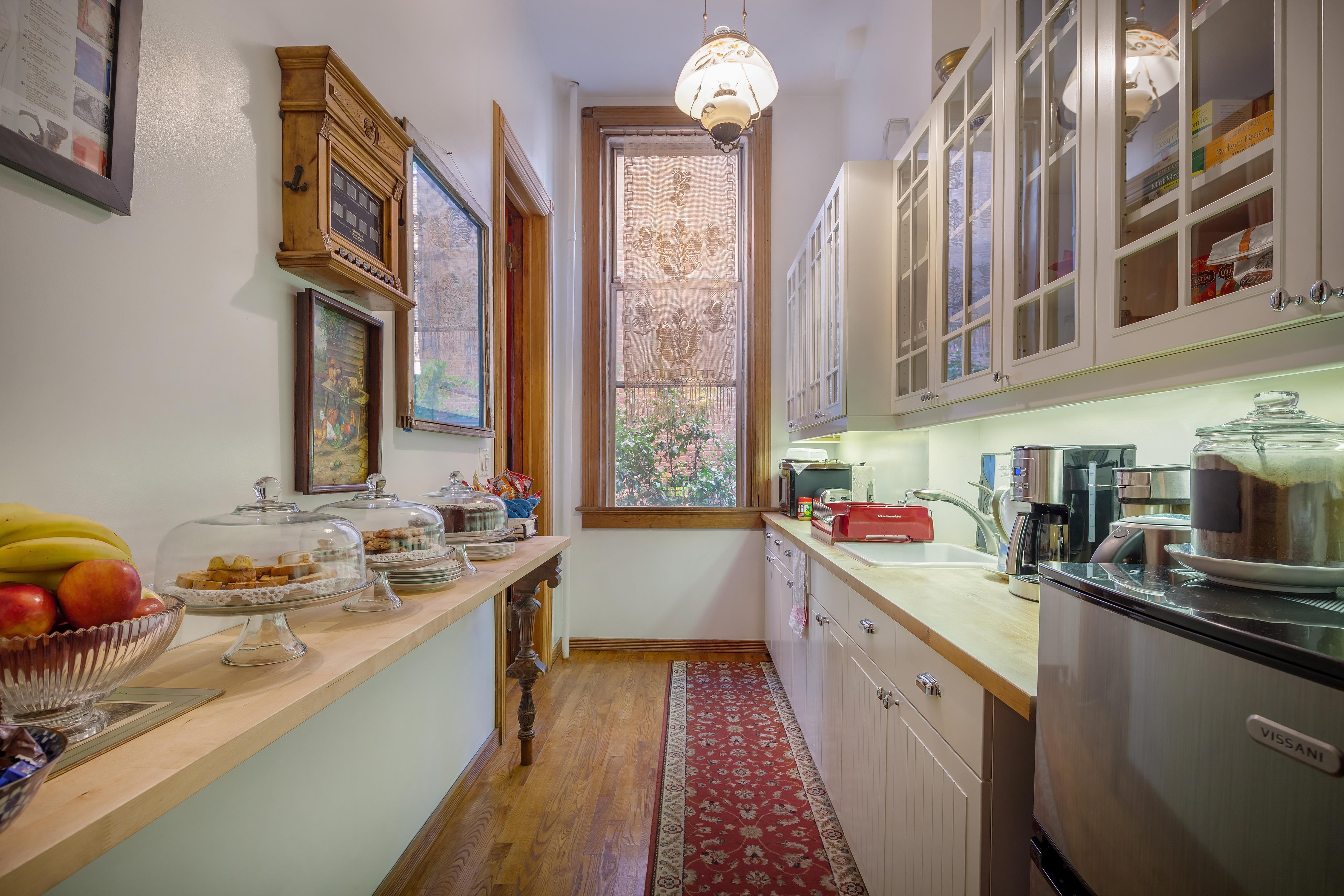 Private Suite in Manhattan Mansion photo 23324595